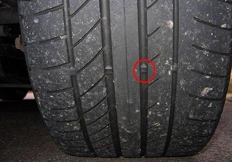 chú ý đến gờ an toàn đọ mòn của lốp