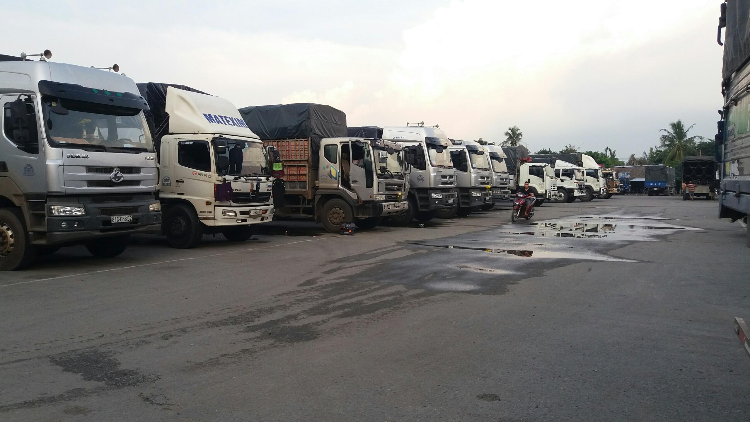 xe tải chở hàng từ hà nội đi thành phố hồ chí minh giá rẻ
